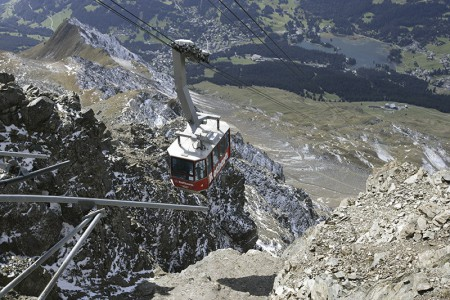Bergbahnen Pradaschier & Gesamte Umgebung von Camping Pradafenz, Graubünden, Schweiz