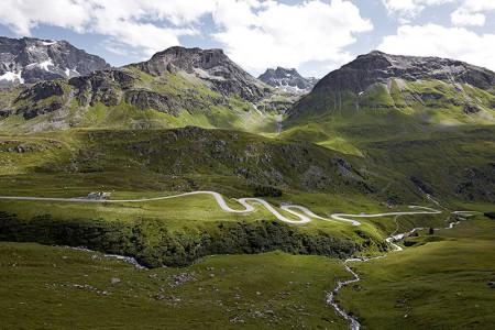 Camping Pradafenz empfiehlt Passfahrten mit dem Motorrad - Töff, Graubünden, Julierpass, Schweiz