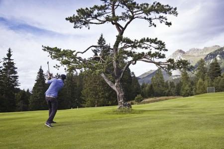 Camping Pradafenz empfiehlt Golfen Lenzerheide und Tennis in Churwalden, Graubünden, Schweiz